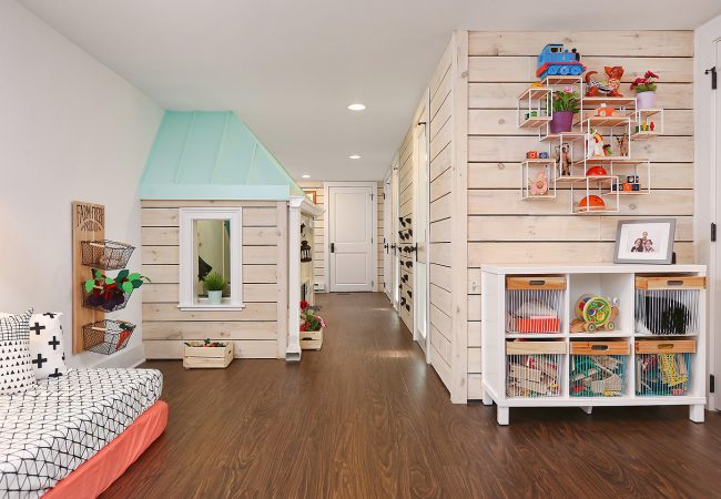 Basement-PlayroomHall
