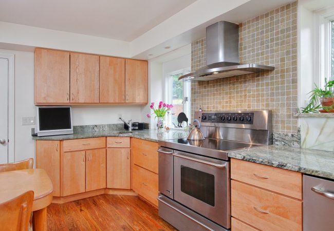 Wynnewood Modern Kitchen & Baths 1