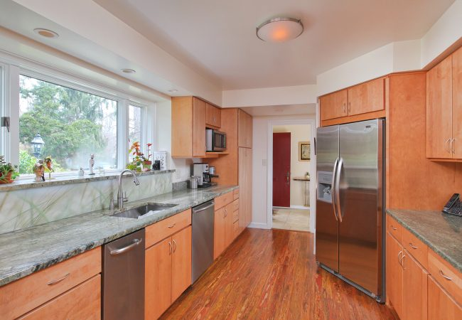Wynnewood Modern Kitchen & Baths 2