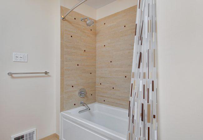 Wynnewood Modern Kitchen & Baths 4