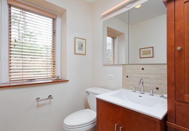 Wynnewood Modern Kitchen & Baths 5