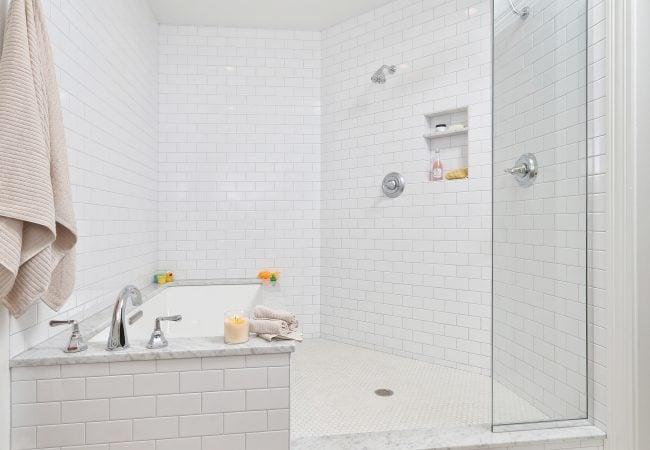 Garden Court Kitchen & Master Bathroom 16