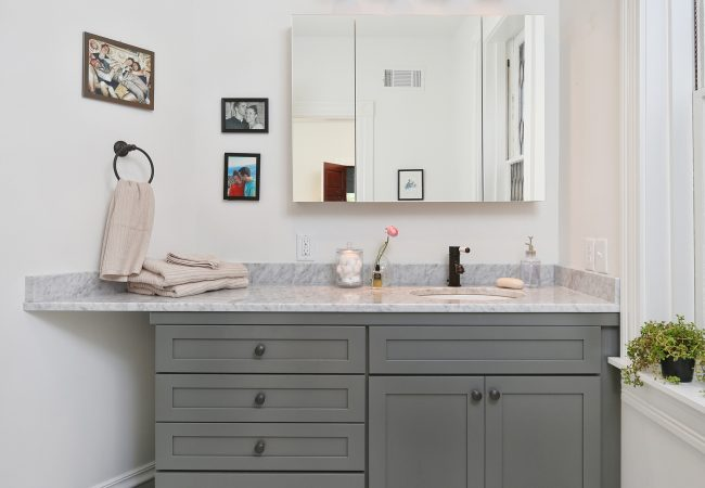 Garden Court Kitchen & Master Bathroom 19