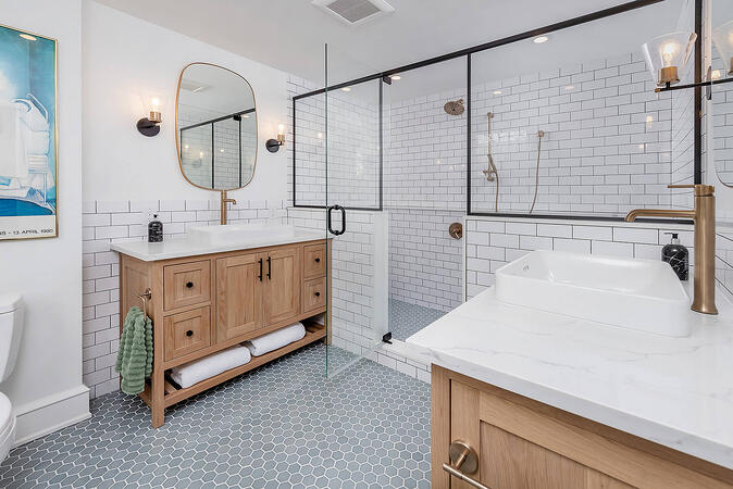 His and Her Master Sinks and Large Shower