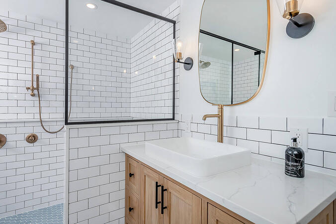 Transitional Sinks in Classic Bathroom
