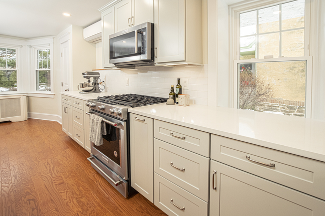 Gray Shaker Style Kitchen Cabinets